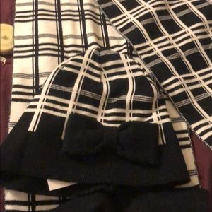 Kate Spade 2 piece scarf and hat set blk/wht